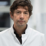Prof. Dr. Christian Drosten im Dienst